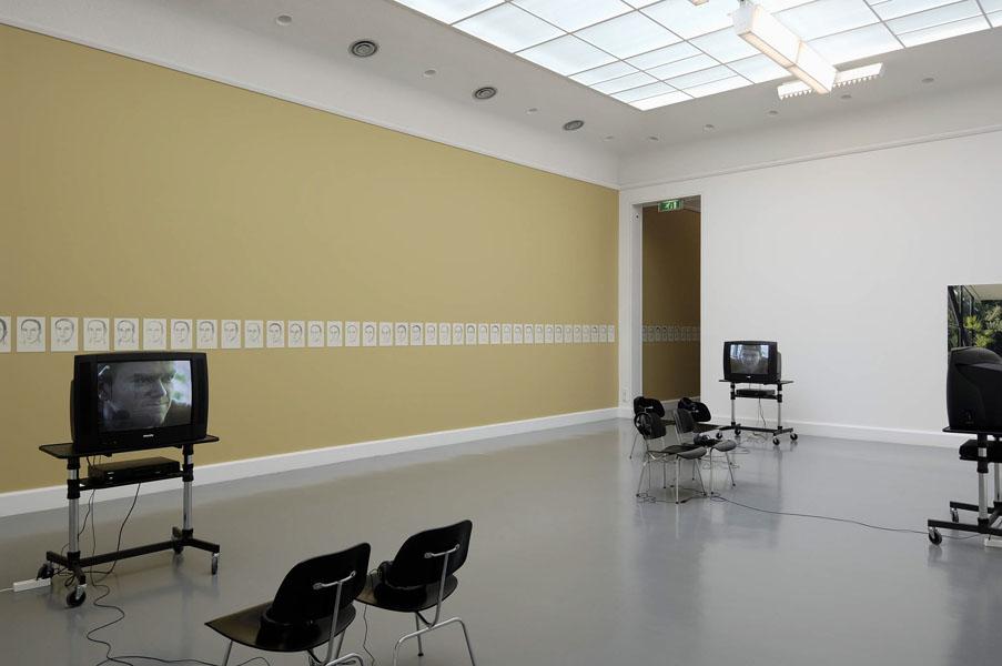 Installationsansicht mit Werken von Leyla Gediz & Gerard Byrne